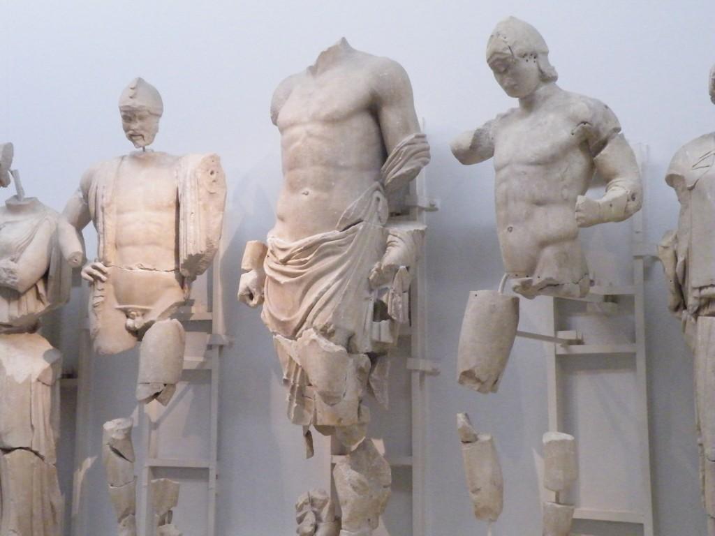 Fronton est du temple de Zeus