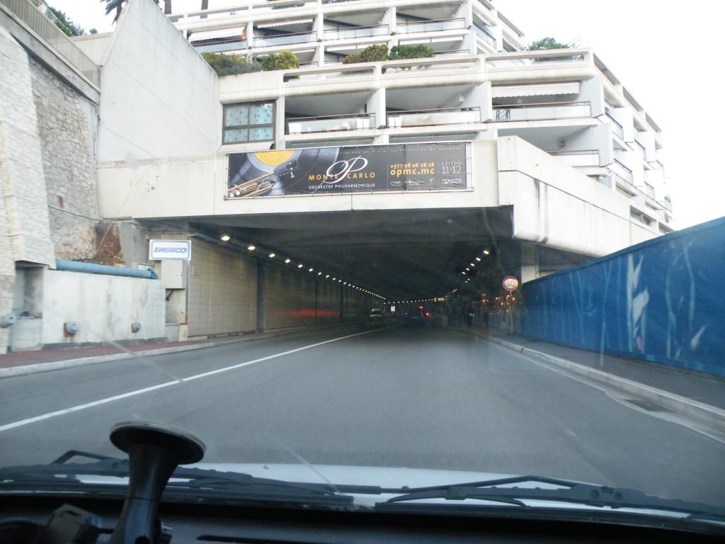 Le tunnel qu'emprunte les Formule 1