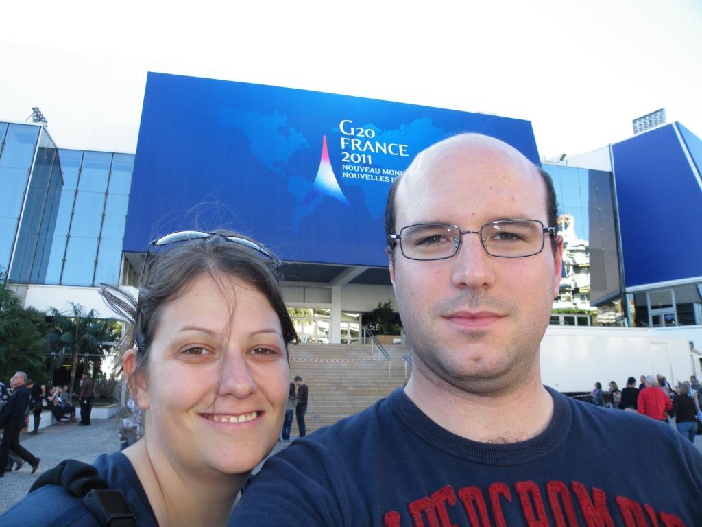 devant les marches de Cannes, qui accueille le G20