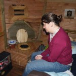 Les cabanes de Lalouvesc, les toilettes sèches à coté du lit