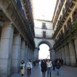 une rue donnant sur la Plazza Mayor